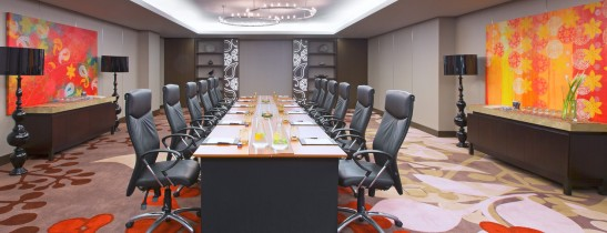Professional and comfortable meeting room for your professional meetings