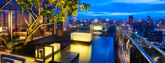 The Penthouse - Private infinity pool on the balcony overlooking the city